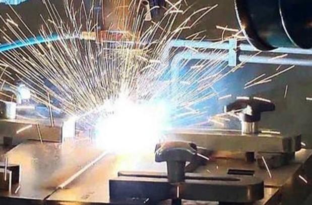 俄技集团与华中科技大学联合研发工业用激光器
