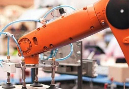 2017上半年国产工业机器人销�v售1.8万台 同比增22.9%