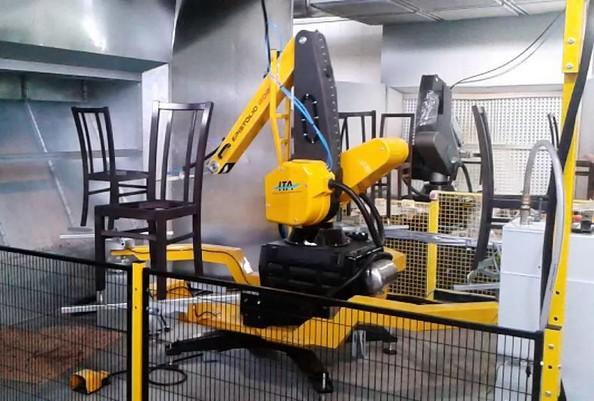 美国家具制造商使用智能协作机器人