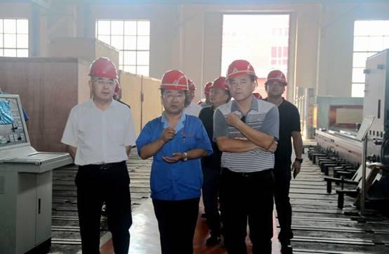 广州开发区考察团到齐二机床参观考察
