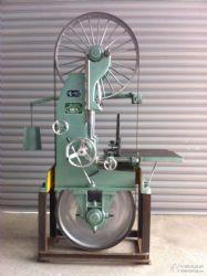 厂家直供中小型圆木带锯机 木工机械设备锯木机 木料加工电动跑