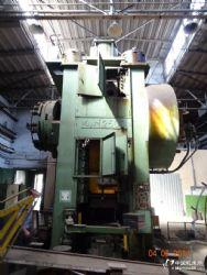 二手�娑砺匏剐�e型2500吨热模锻压力机自毁智慧之骨一级传动KB8544