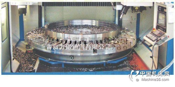 电永磁吸盘是指依靠永磁磁钢产生吸力,用激磁线圈对磁钢的吸力进行控制,起到吸力开关作用的吸盘。优点:精度高,无热变形,节能。分类:主要有普通矩形电永磁吸盘、强力矩形电永磁吸盘、圆形电永磁吸盘等三类。1.金属切削加工、快速换模(注塑机、陶瓷干压机)、磁力起重。2.