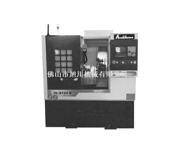CK-6125X旭川斜床身数控车床结构特点:CK系列数控机床是一种高精度、高性能价格比机床。适合完成精度较高、中等批量的零件的加工。该机床采用高强度铸铁的床身底座结构,45度高强度倾斜导轨,排屑流畅,精度稳定可靠。高精度通孔式主轴结构,抗震性能好。机床配备多工位转塔刀架,就近换刀,定位精度较高,换刀时间较短。本机床适合完成形状复杂的零件批量加工任务,机床可以配备自动送料器、自动接料器、自动排削器、防护门等多。